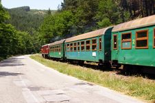 Free Curved Green Train Royalty Free Stock Images - 20070329