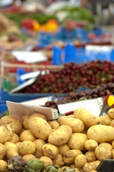 Free Fresh Potatoes Stock Photography - 20070802