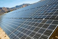 Free Solar Panels In The Mojave Desert. Stock Images - 20071824