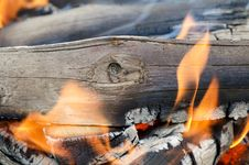 Free Very Hot Campfire Close Up Royalty Free Stock Images - 20072899