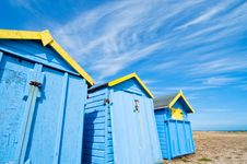 Free Blue Beach Huts In Summer Royalty Free Stock Photo - 20076375