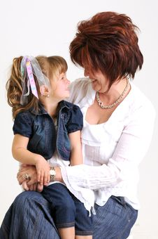 Free Young Daughter And Mother Smiling Stock Images - 20076884
