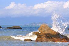 Free Surge Splash On Rock Royalty Free Stock Photo - 20077195