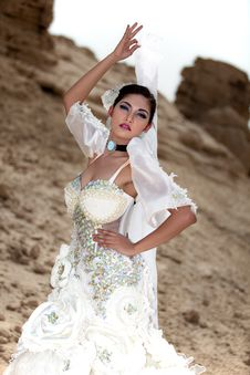 Free Asian Female Wearing White Gown Stock Photography - 20078002