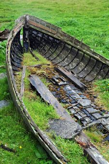 Free Wrecked Rowing Boat Royalty Free Stock Photography - 20078477
