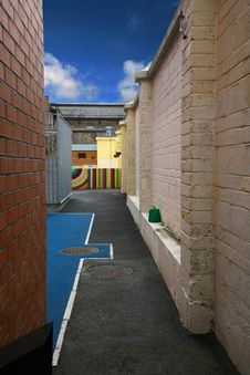 Free Small Colorful Alley In Dublin Royalty Free Stock Photos - 20079838