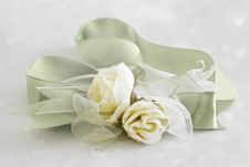 Free Roses With Ribbon Royalty Free Stock Photography - 20084057