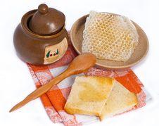 Free Pot Of Honey, Toasts And Honeycomb Stock Photo - 20086000