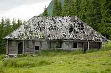 Free Old Wooden House In The Mountains Royalty Free Stock Images - 20087479