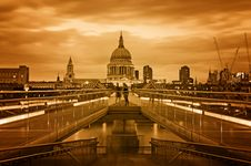 Free St. Paul`s Cathedral, London Royalty Free Stock Photos - 20095078