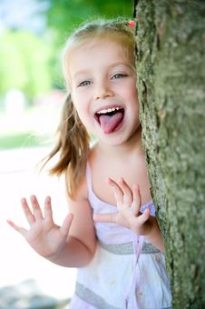 Free Little Girl Smiling Stock Photography - 20095192