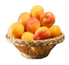 Free Wooden Basket Full Of Apricots Royalty Free Stock Photography - 20096157