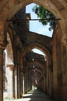 Free San Galgano Abbey Stock Image - 20096721