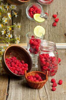 Free Fresh Ripe Raspberries Royalty Free Stock Image - 20097586