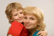Free Loving Mum And The Son Royalty Free Stock Photos - 20098238