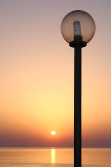 Free Sunset With Lamppost Stock Image - 2015081