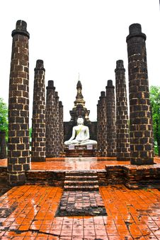 Free White Buddha Statue Royalty Free Stock Images - 20101339
