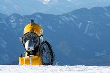 Free Yellow Snowmachine Austrian Alps Royalty Free Stock Photo - 20101985