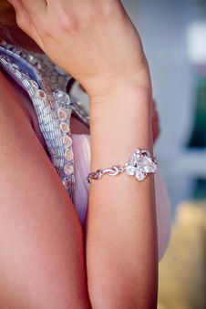 Free Hand With Jewelry Royalty Free Stock Photos - 20103058