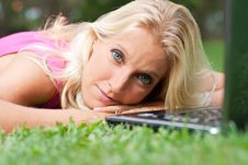 Free Young Attractive Woman Relax At The Park Stock Photos - 20103713