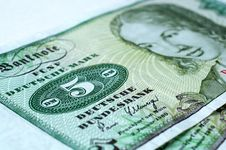 Free Currencies Stock Images - 20107384