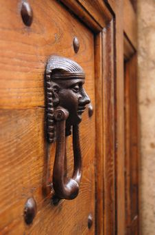 Free Door Knocker With Human Head Stock Photo - 20108220