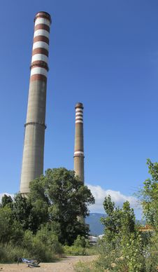 Free Red And White Industrial Chimneys Stock Images - 20109464