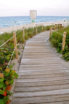 Free Pathway To The Ocean Stock Image - 20114141