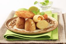 Free Fried Fish And Potatoes Stock Image - 20115061