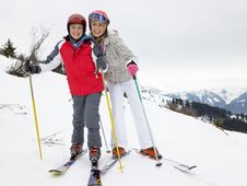 Free Young Mother And Son On Ski Vacation Royalty Free Stock Photo - 20116235