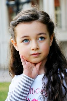 Free Portrait Of The Little Girl Stock Images - 20119624