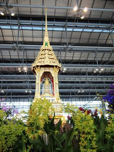 Free Temple In Bangkok Airport Stock Image - 20119711