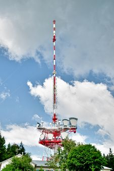 Free Communication Tower With Clouds Royalty Free Stock Photos - 20124688