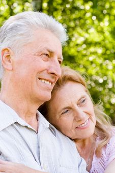 Free Cute Elderly Couple Royalty Free Stock Photos - 20128898