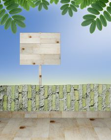 Free Empty Wooden Signboard Royalty Free Stock Image - 20133926