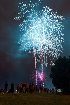 Free People Watching Beautiful Blue Fireworks Stock Images - 20135134