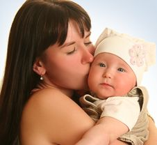 Free Loving Mother Royalty Free Stock Photography - 20137437