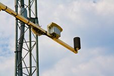 Free Barometer On Weather Station Antenna Royalty Free Stock Images - 20138339