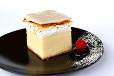 Free Creamy Cake On Black Plate Royalty Free Stock Photos - 20140148