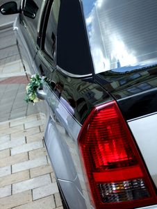 Free Luxury Wedding Limousine With Bouquet Stock Images - 20140854