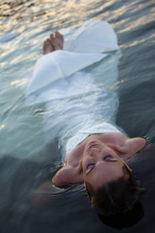Free Bride In Water Stock Image - 20145331