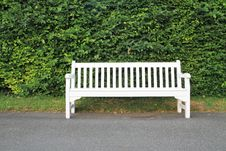 Free White Park Bench Royalty Free Stock Photo - 20148025