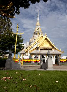 Free White Church In Thai Temple Royalty Free Stock Photo - 20149075