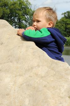 Free Boy On Stone Royalty Free Stock Images - 20150679