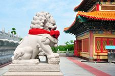 Chinese Lion Stone Sculpture In The Chinese Temple Royalty Free Stock Photography