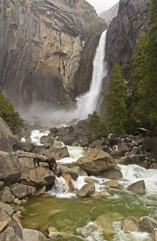 Free Misty Lower Yosemite Falls Stock Images - 20153944