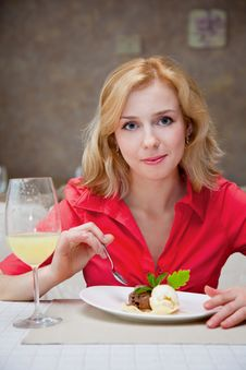 Free Young Woman In Cafe Stock Images - 20155574