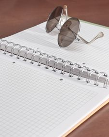 Free Open Notebook And Glasses Royalty Free Stock Image - 20159496