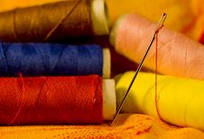 Free Needle On Cloth Royalty Free Stock Images - 20160049
