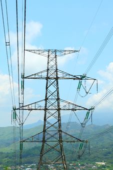 Free Power Transmission Tower With Cables Royalty Free Stock Photo - 20161105
